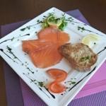 Assiette de saumon fumé par nos soins et sa petite salade